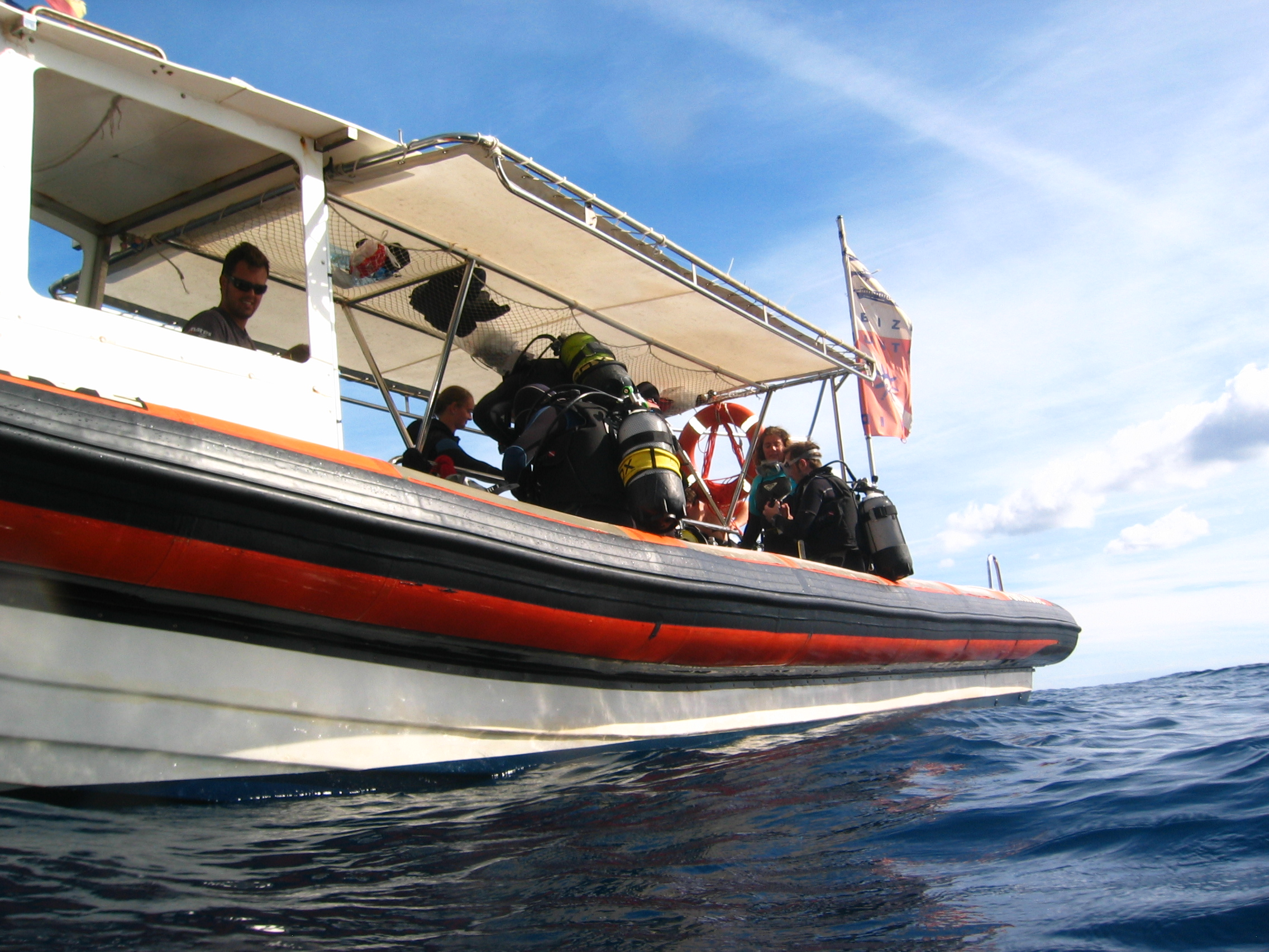 PADI boat diver specialty, learn how to safely scuba dive from a boat