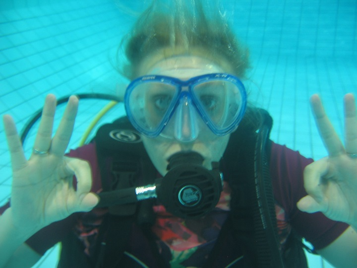 learn to scuba dive with underwater adventures
