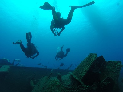 scuba diving the wreck of the Zenobia